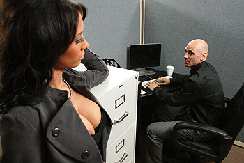 Distracting Titties